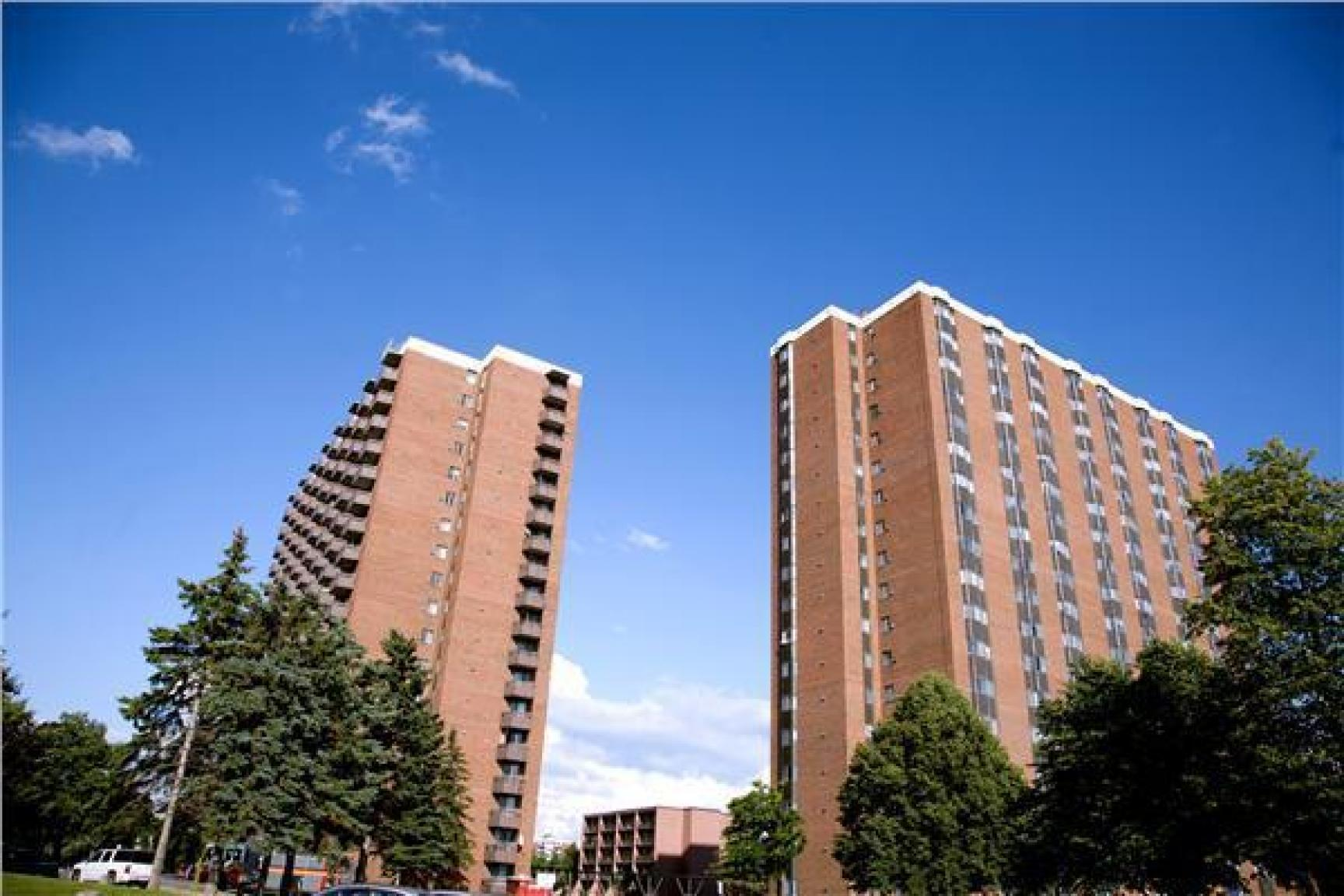 St. Laurent Towers Apartments photo #1