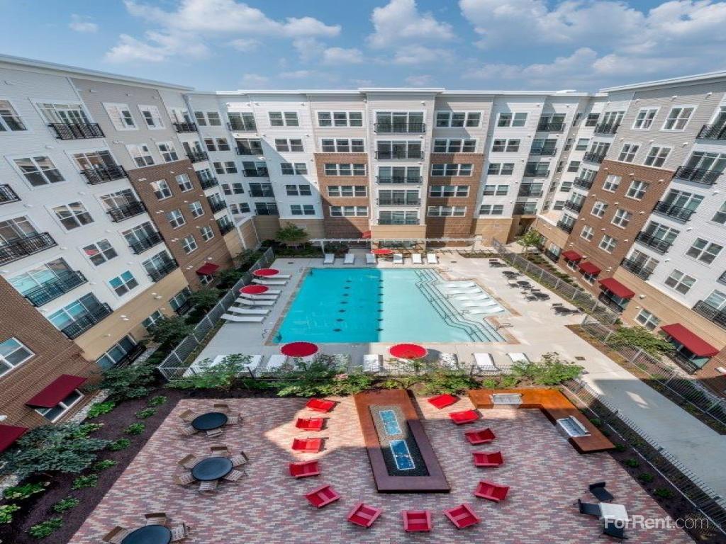 Bainbridge Shady Grove Metro Apartments Rockville Md
