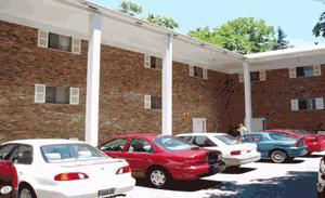Campus Walk- 413/Grad Building Apartments photo #1