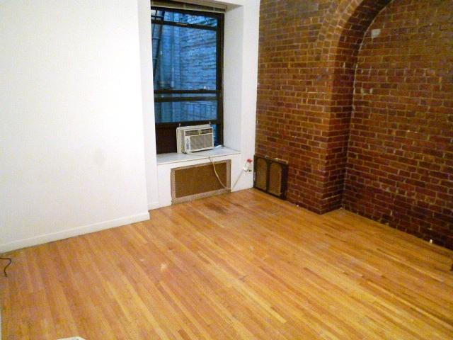 Apartment in Midtown West photo #1