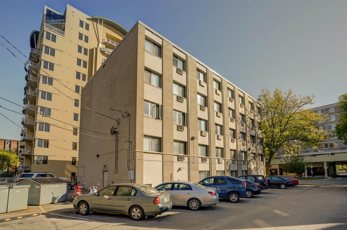EASY ACCESS TO CAMPUS and DOWNTOWN ACTIVITIES. Apartments photo #1