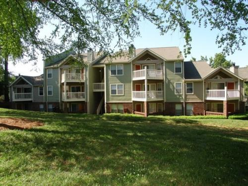 630ft2 - SPACIOUS 1 BR FOR ONLY $680! 1 Month Free SPECIAL Apartments photo #1