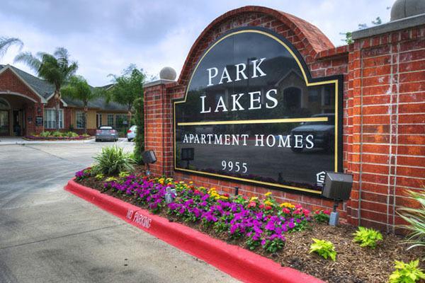 Park Lakes Apartments photo #1