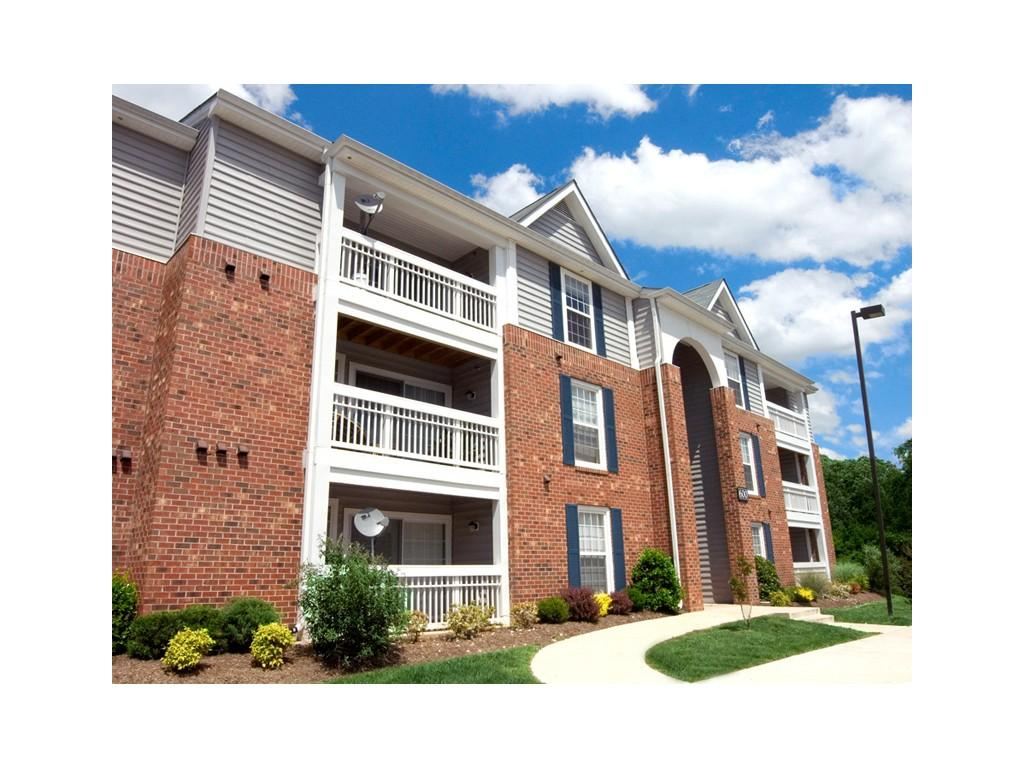 Fall Hill East &West Apartments photo #1