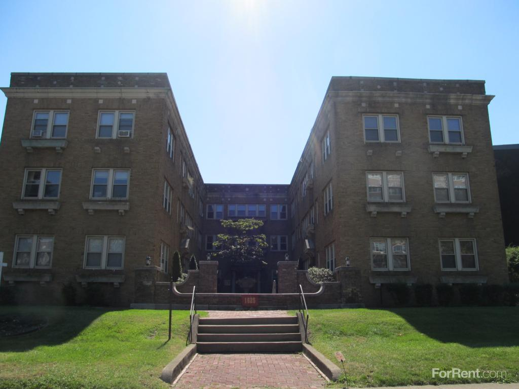 Park avenue apartments rochester ny walk score for Park ave apartments for sale