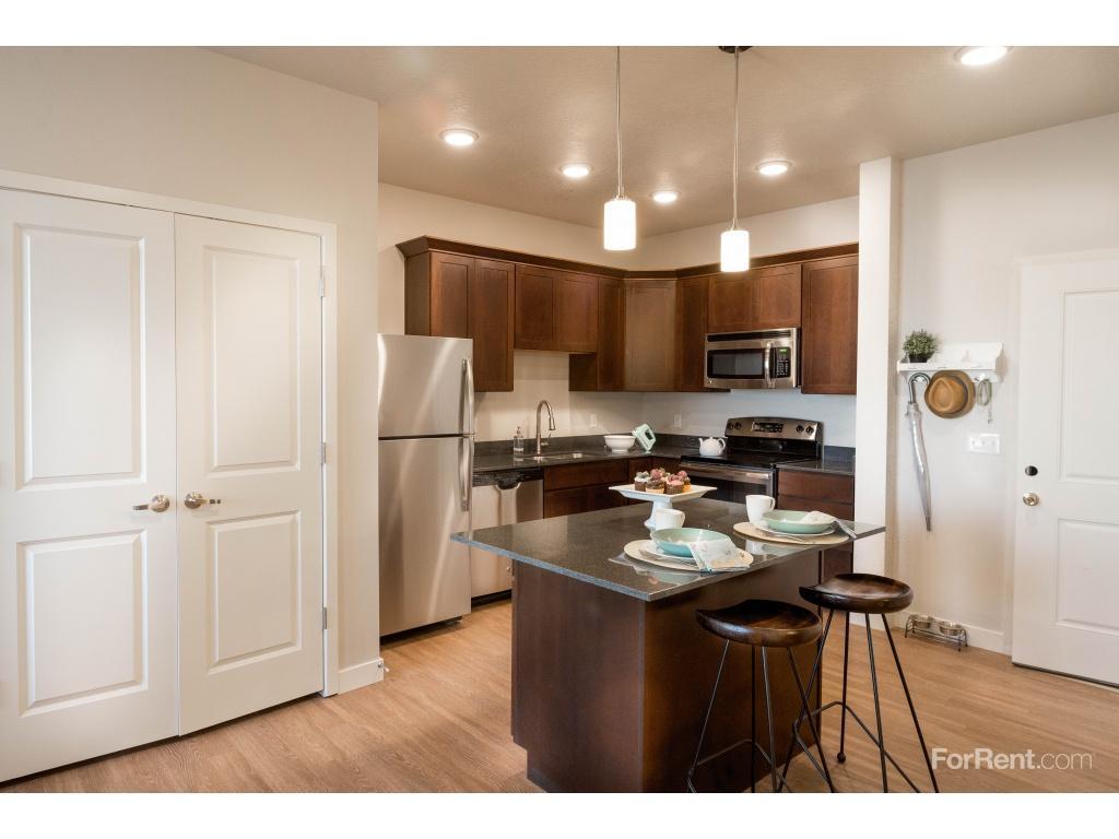 Grovecrest Villas Apartments photo #1