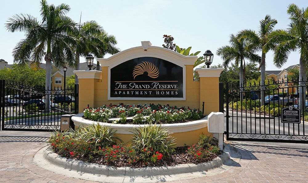The Grand Reserve At Park Isle Apartments Clearwater Fl Walk Score
