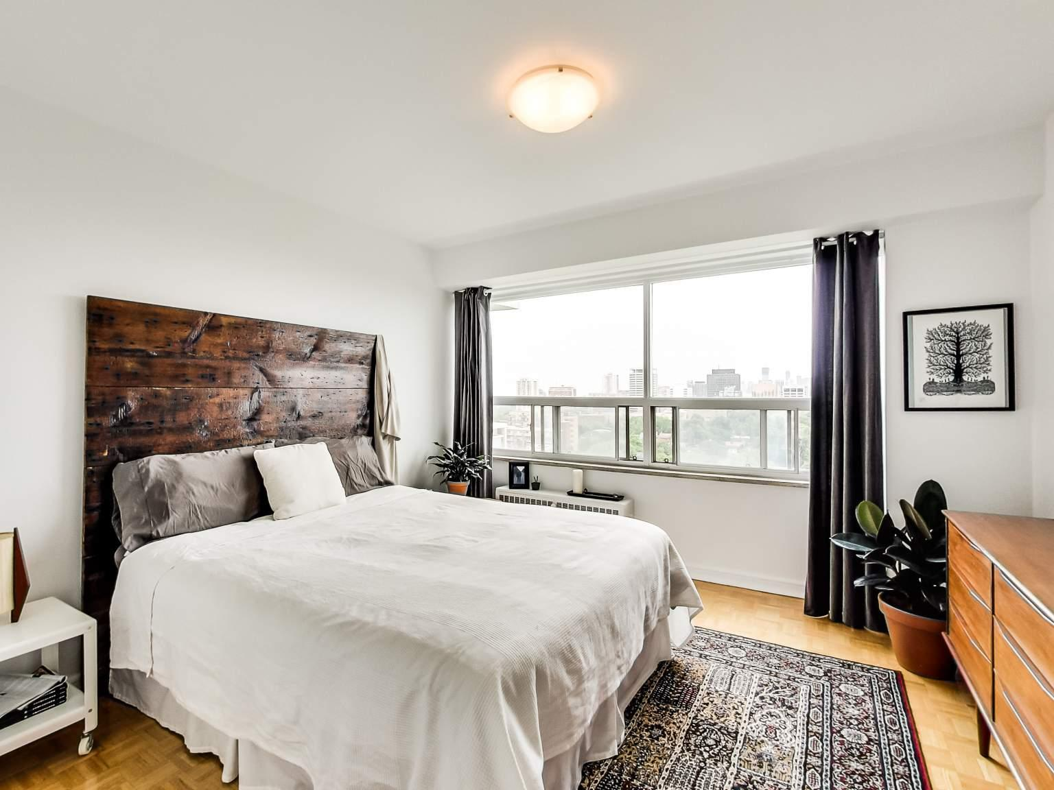 25 Lascelles Blvd Apartments Toronto ON