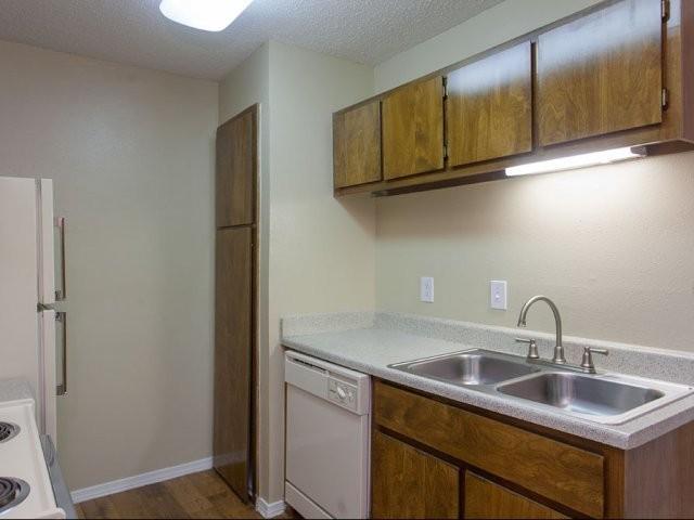 Arbor Creek Apartments photo #1