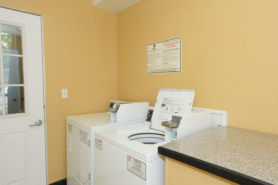 Hanover Landing - One BR Apartments photo #1
