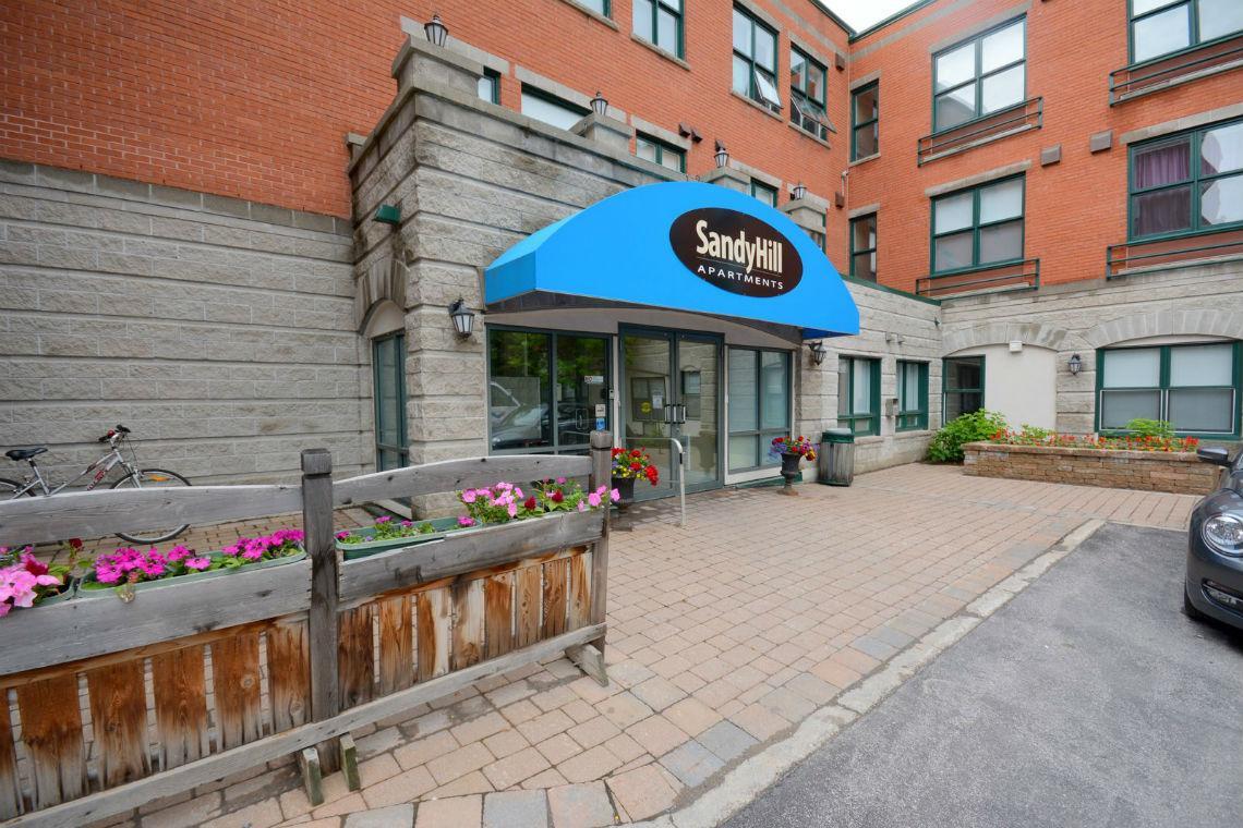 Sandy Hill Apartments 353 Friel St Ottawa On Walk Score