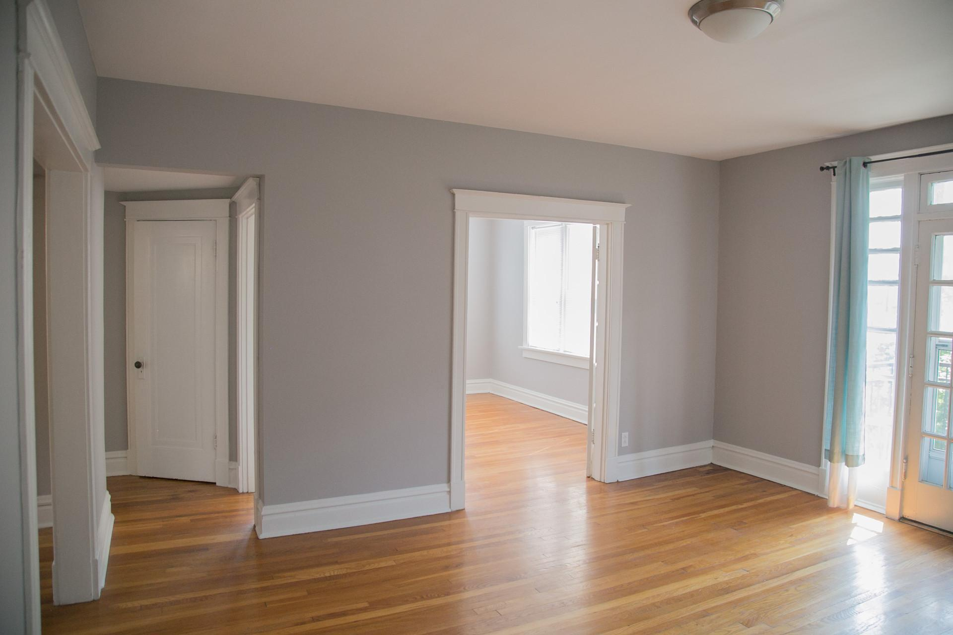 Two BR Apartment - Seconds from Forest Park.