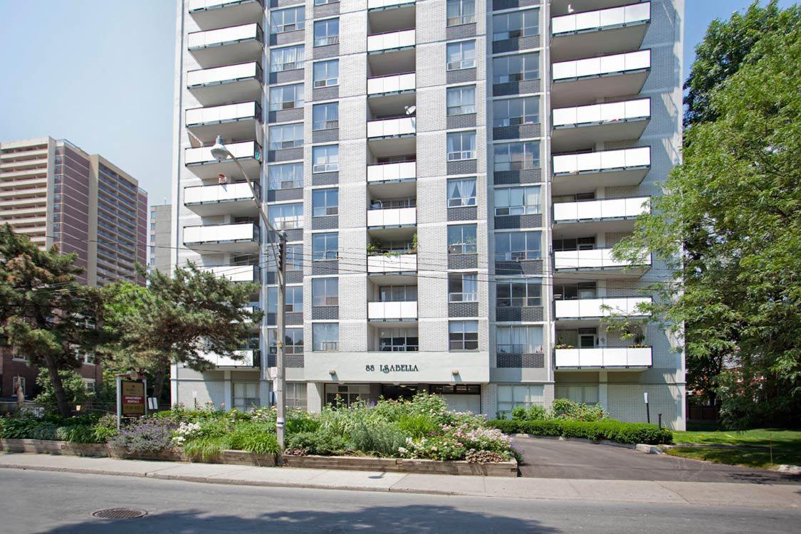 Isabella Apartments, Toronto ON - Walk Score