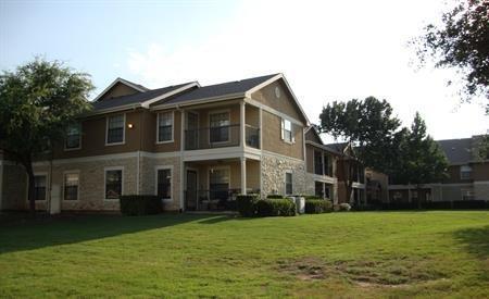 Primrose Oaks Apartments photo #1