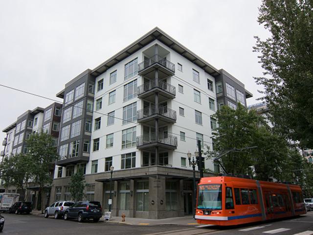 10th @ Hoyt Apartments photo #1