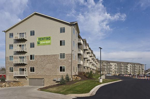 The Bluffs at Willow Run Apartments photo #1