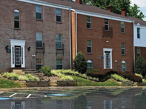 The Point At Watkins Mill Apartments photo #1