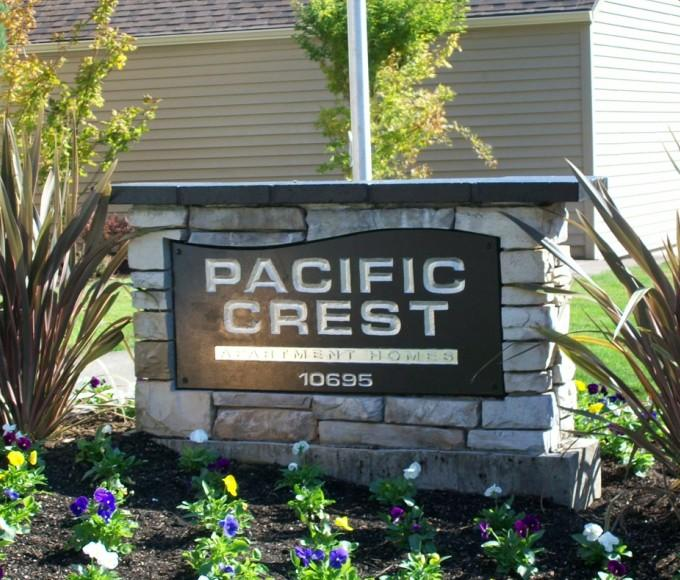 Pacific Crest Apartments photo #1