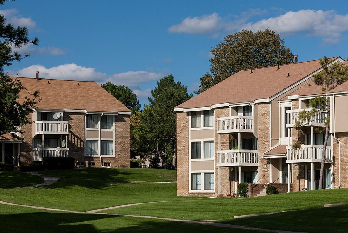Retreat at Farmington Hills Apartments photo #1