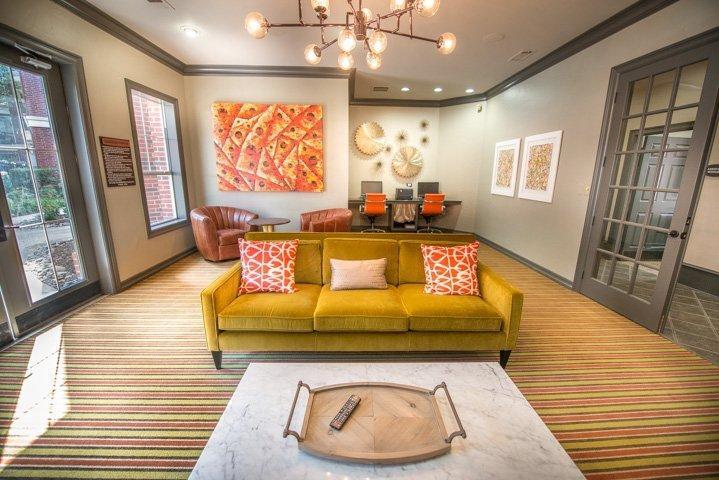 910 Texas Street Apartments photo #1