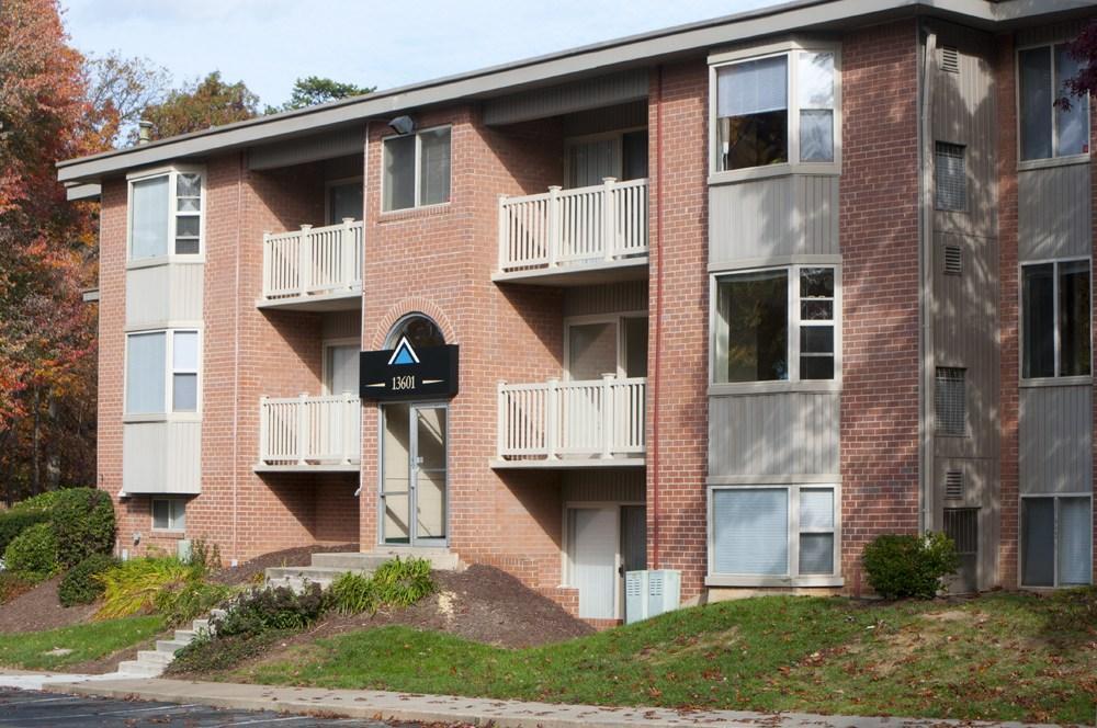Arden Pointe Apartments photo #1