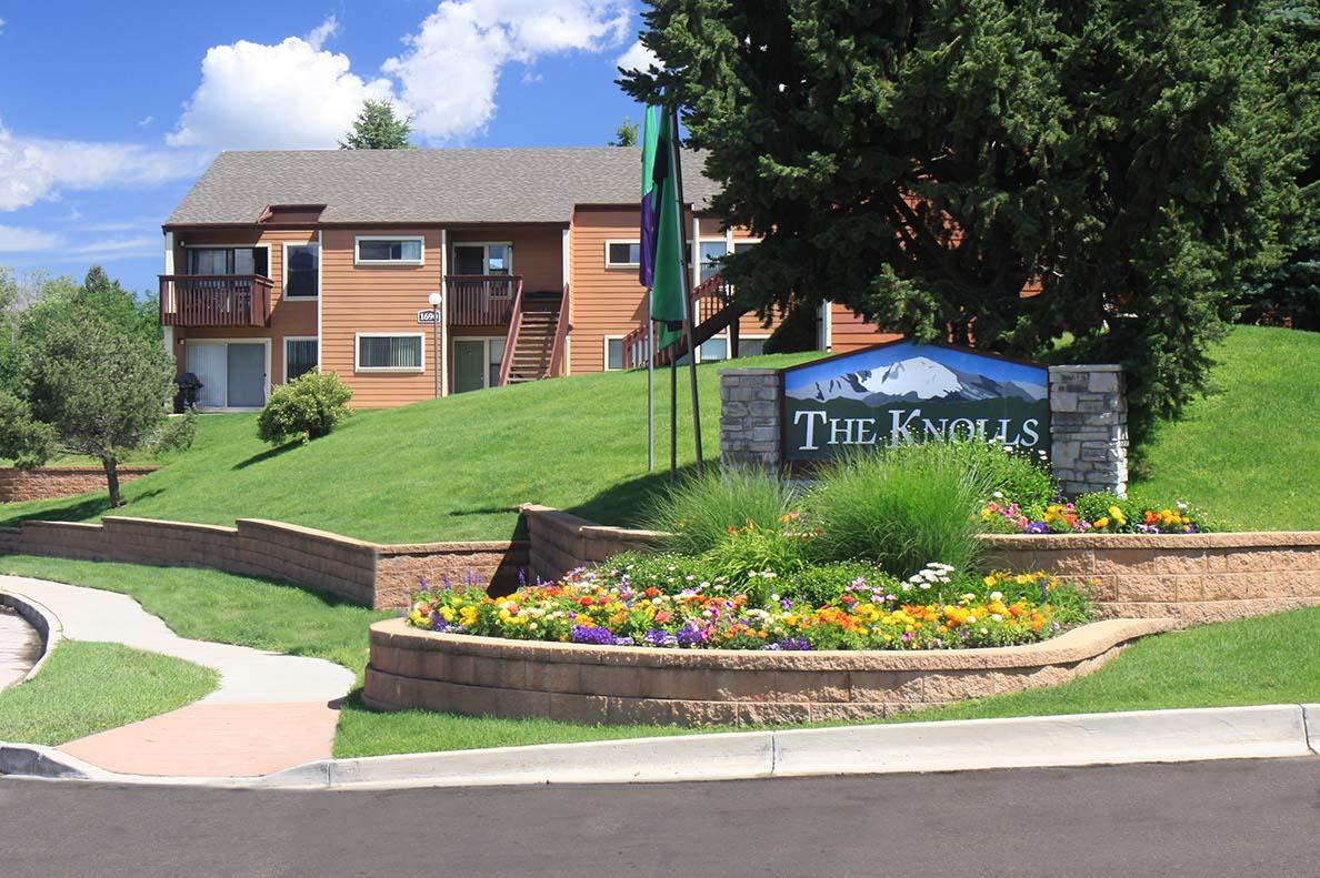The Knolls Apartments photo #1