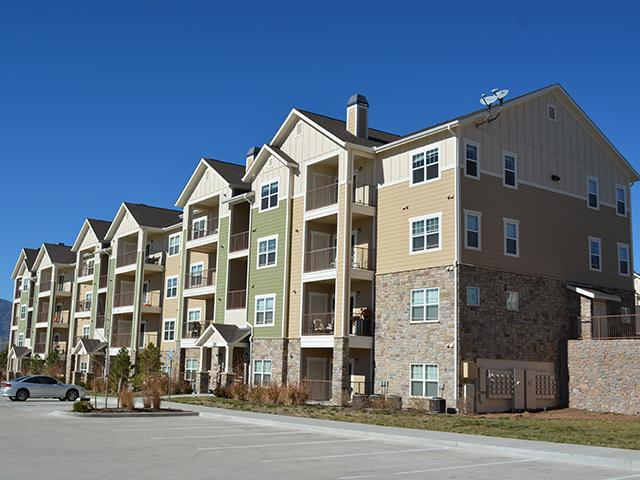 Peaks at Woodmen Apartments photo #1