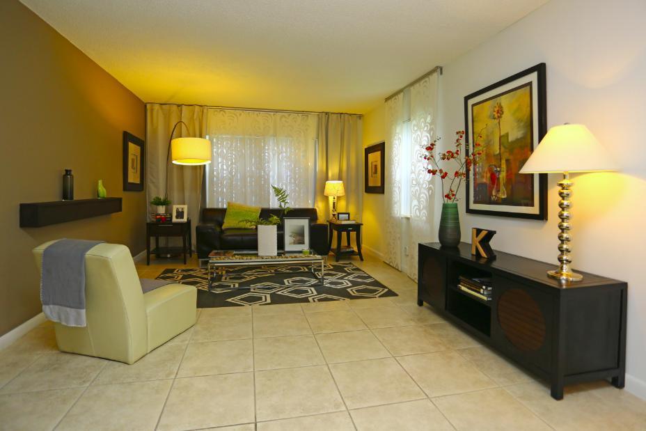 San Tropez Apartments Pembroke Pines