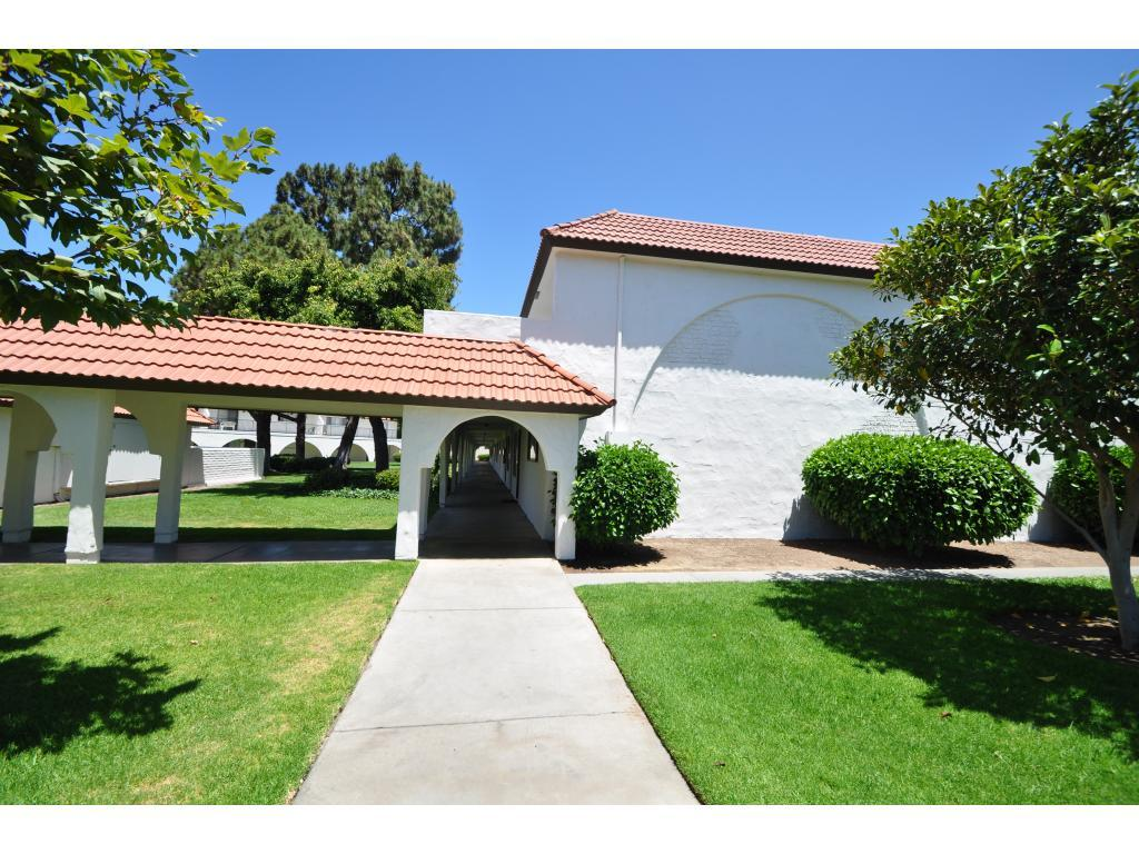 Villa Vista Apartments San Diego