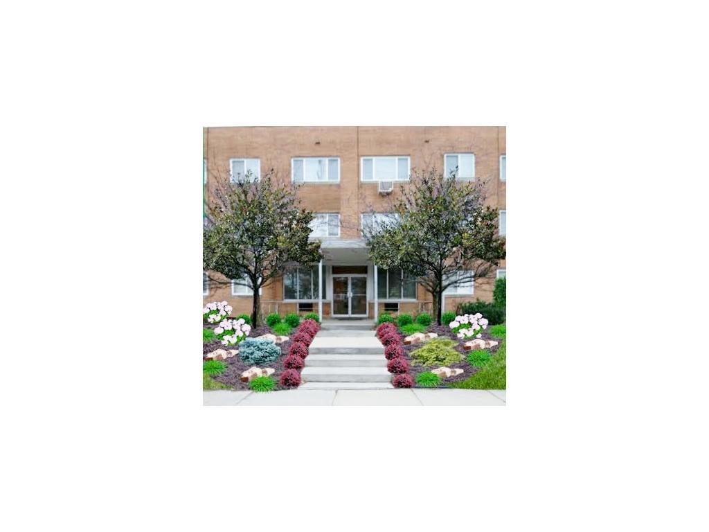 Oakwood Garden Apartments photo #1
