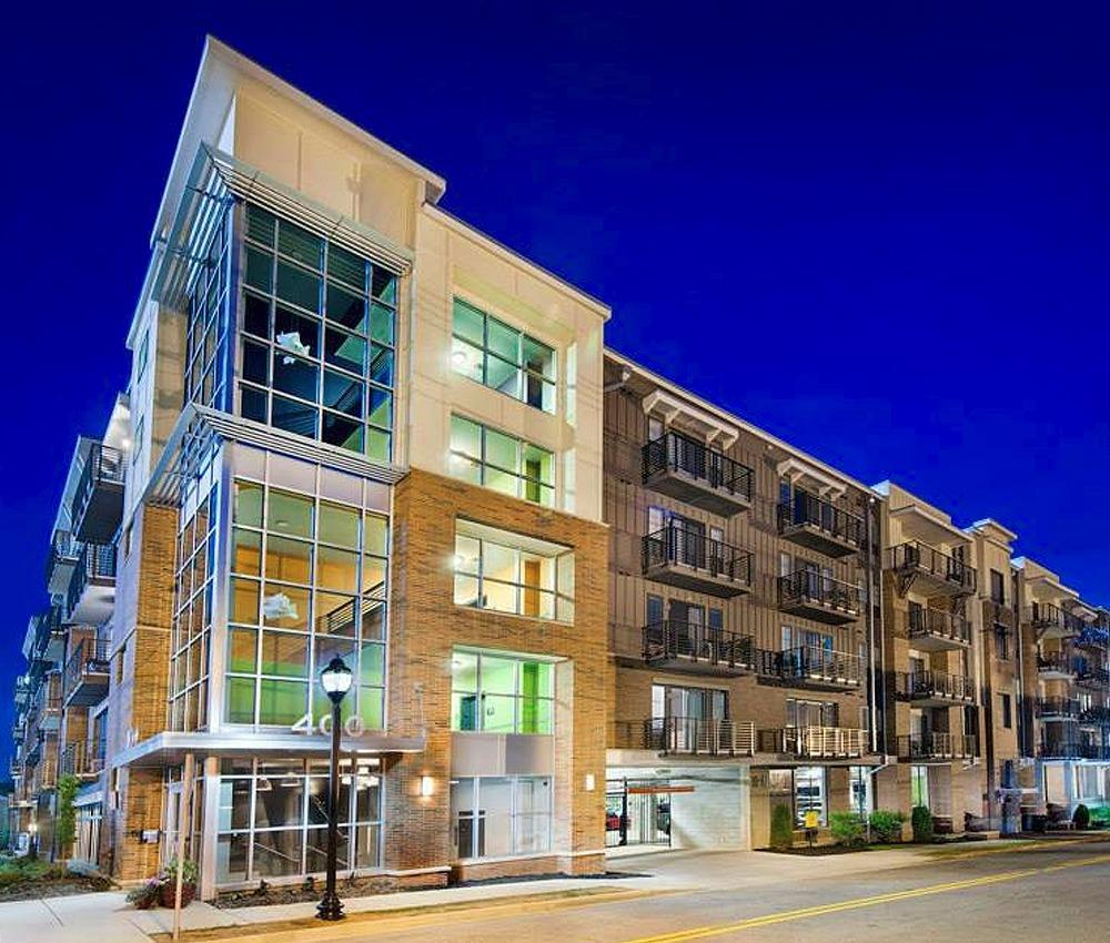 1 Bed 1 Bath Apartment In Greenville Sc: 400 Rhett Apartments, Greenville SC