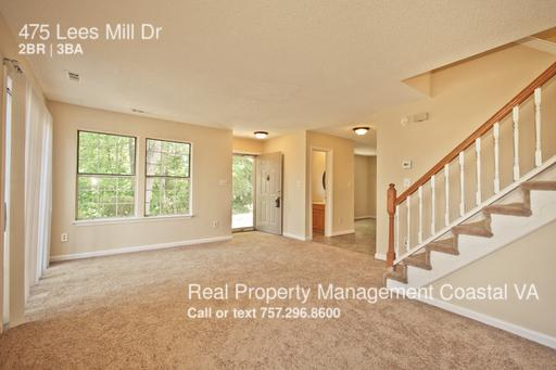 475 Lees Mill Dr photo #1