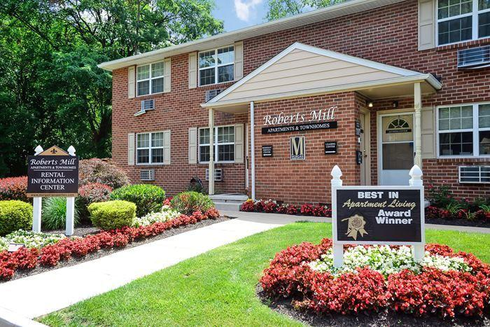 Roberts Mill Apartments & Townhomes photo #1