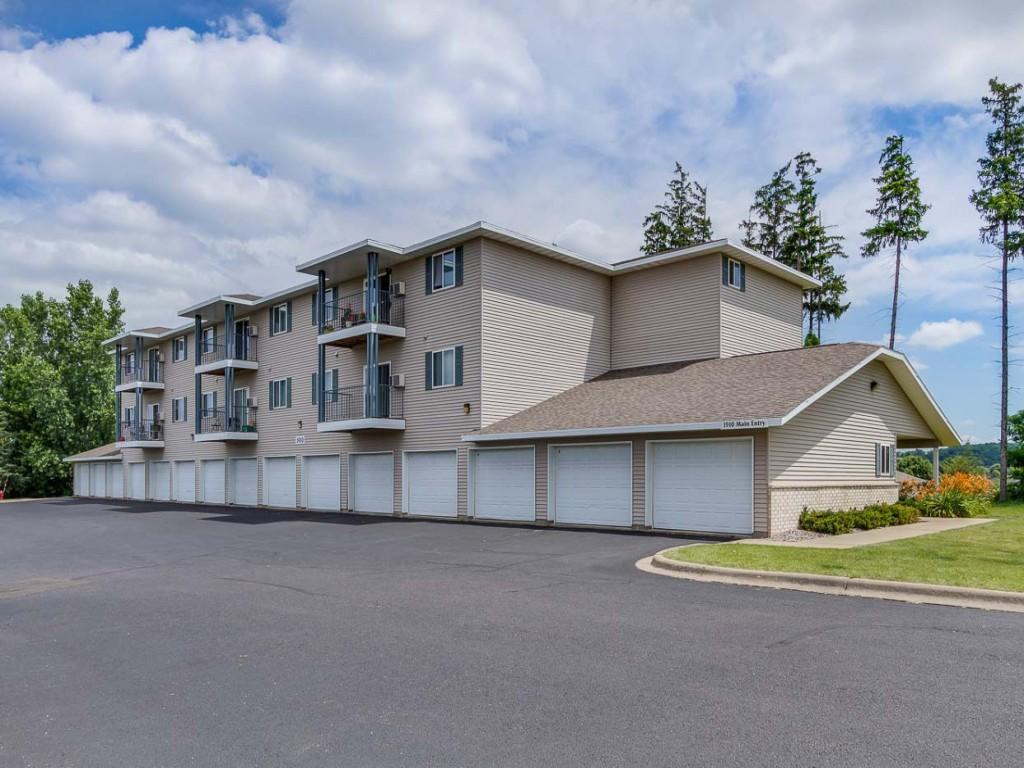 Gray 39 s landing apartments hudson wi walk score for 1 bedroom apartments in hudson wi