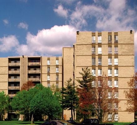 Oakcrest Towers Apartments photo #1