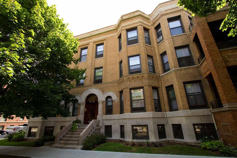 5401-5403 S. Woodlawn Avenue Apartments photo #1