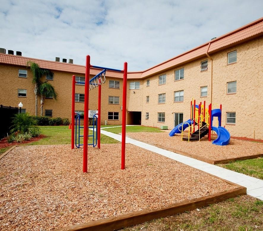 The Grove Apartments Austin: Avesta Madeira Grove Apartments, Kenneth City FL