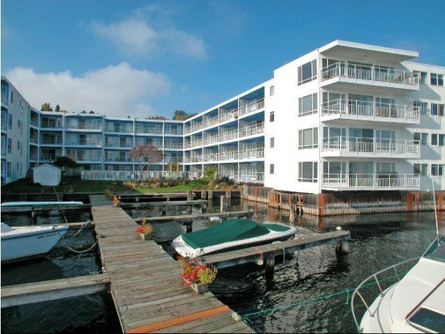 Avana on the Lake Apartments photo #1