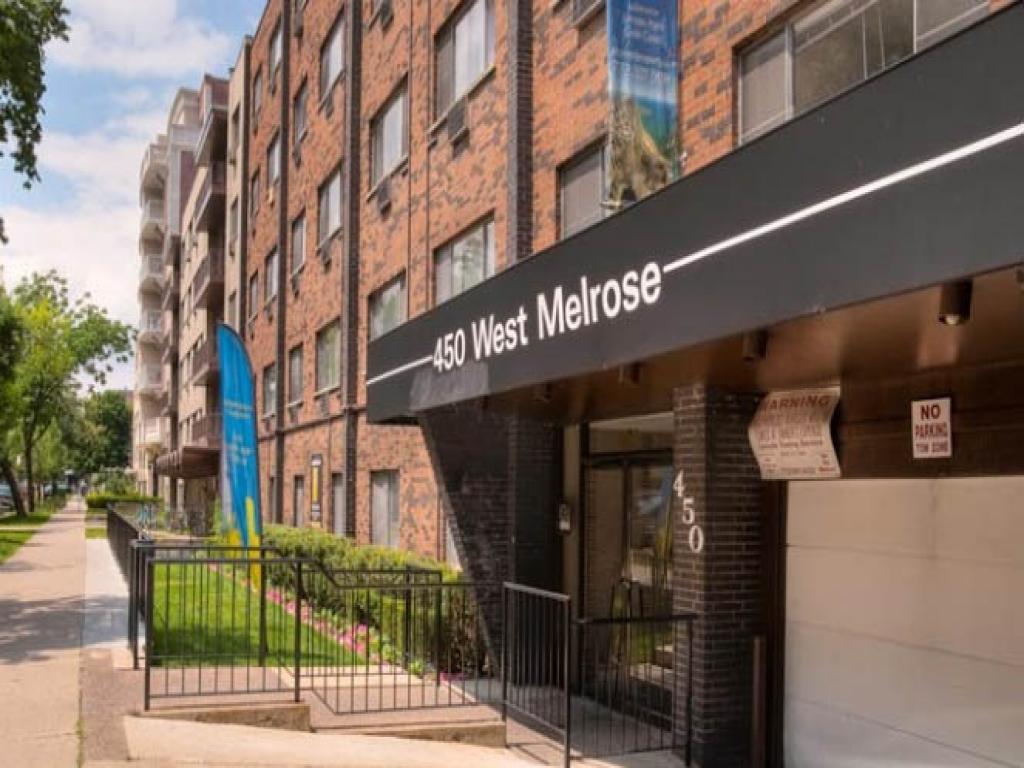 450 W. Melrose Apartments photo #1
