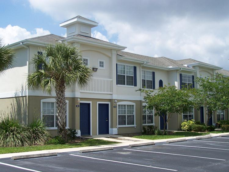 Beautiful One Bedroom Apartment Available For July Apartments Palm Bay Fl Walk Score