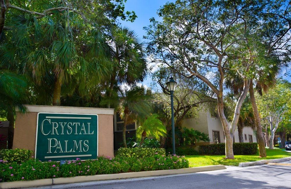 Crystal Palms Apartments photo #1