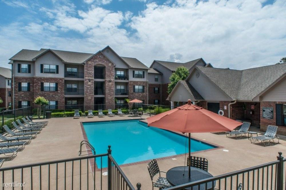 Highland Pointe of Maumelle Apartments photo #1
