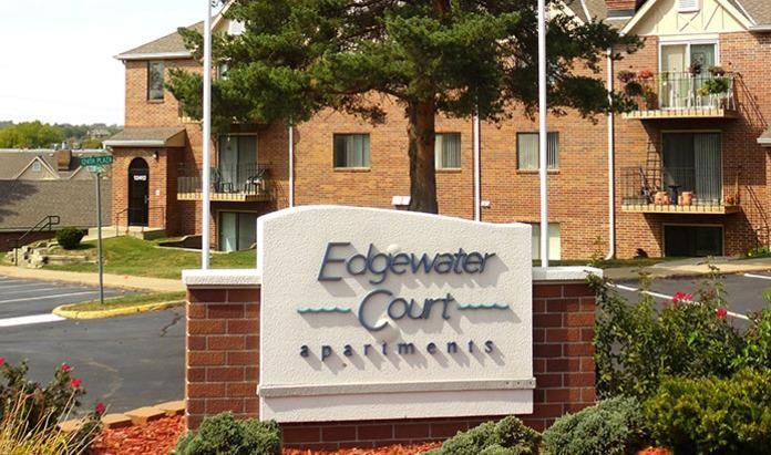 Edgewater Court Apartments photo #1