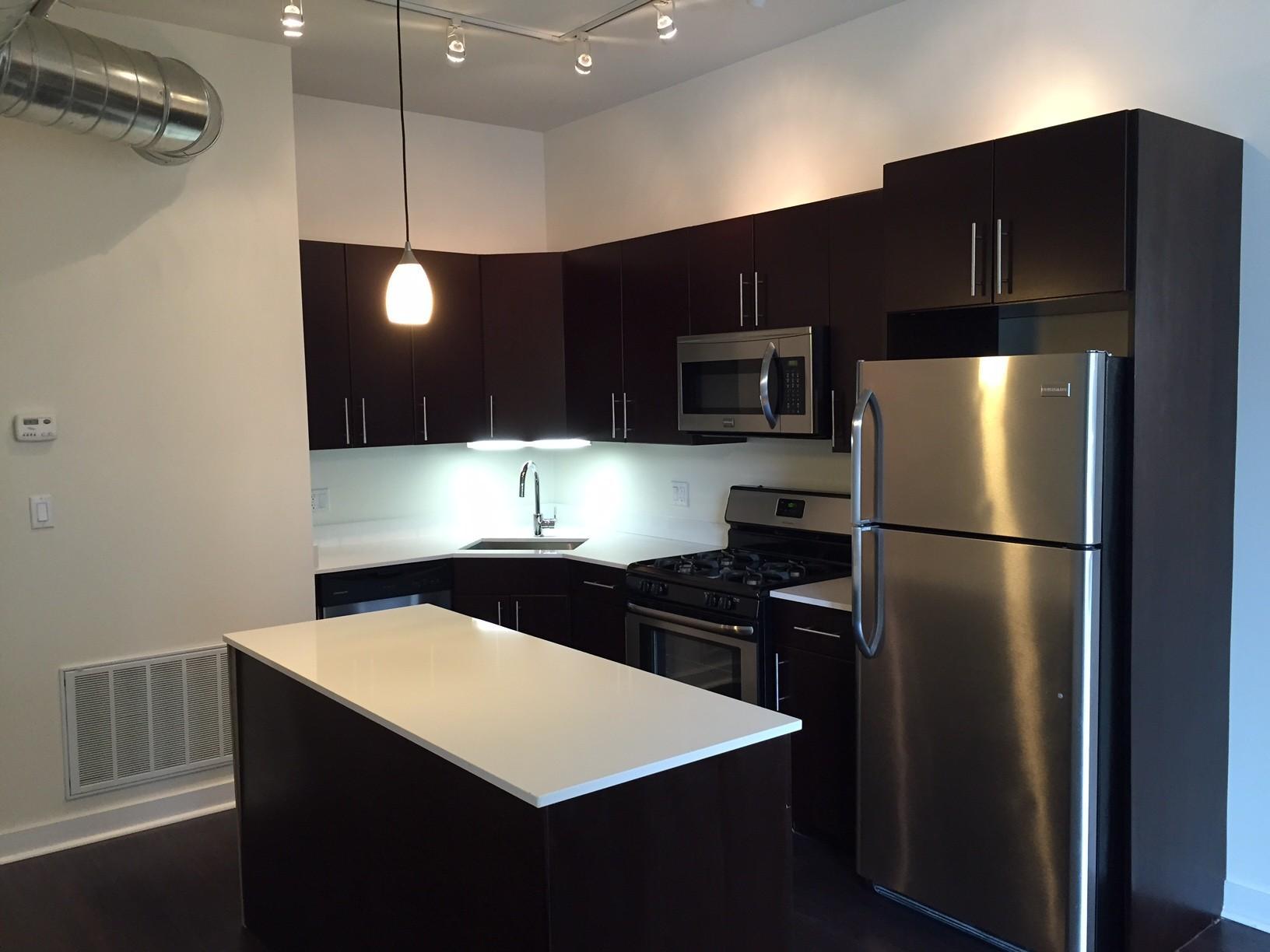1220 West Madison Street Apartments photo #1