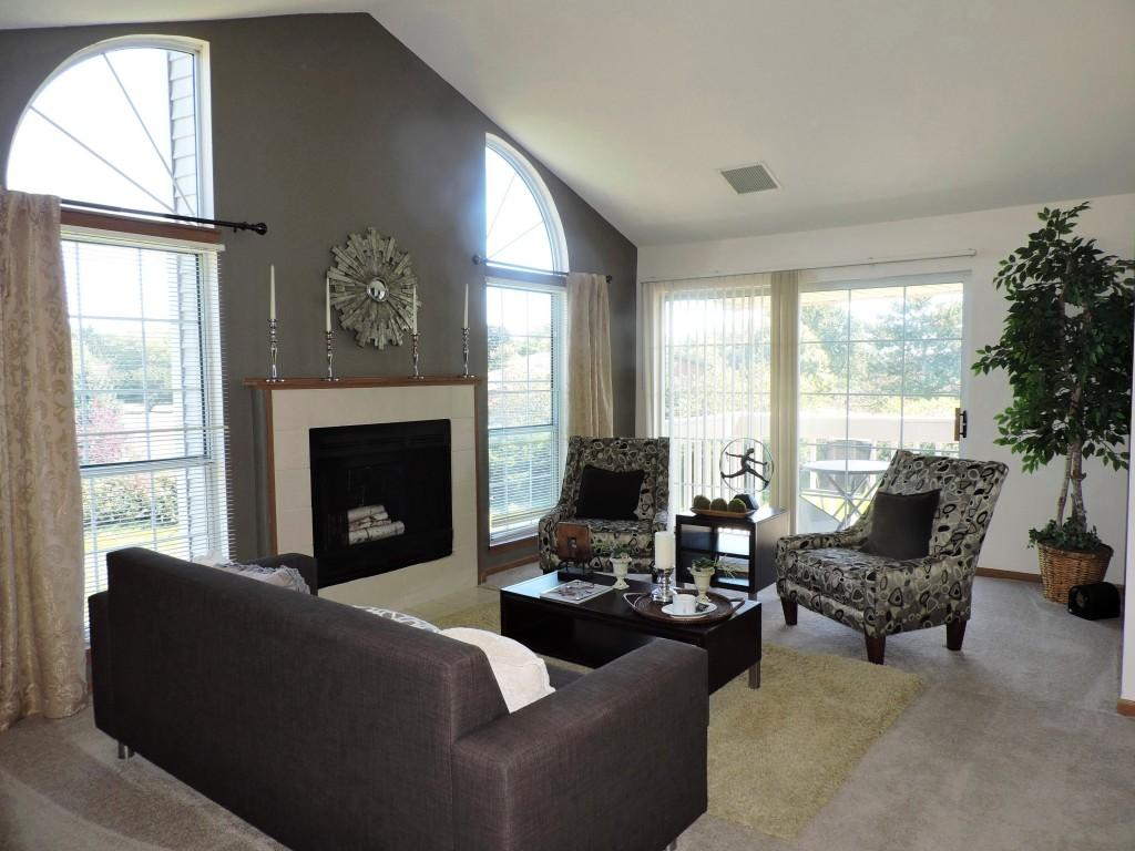 The Woodlands of Brookfield Apartments photo #1