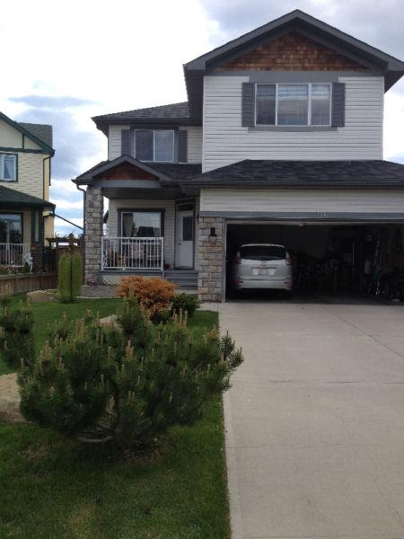 family home 4 bed walkout basement chestermere 10 mins calgary