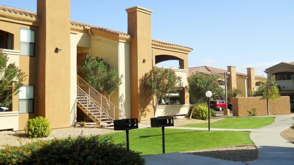 Arezzo Apartment Homes Phoenix Az