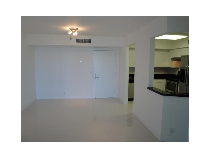Beautiful Two BR/Two BA corner unit. Parking Available! photo #1