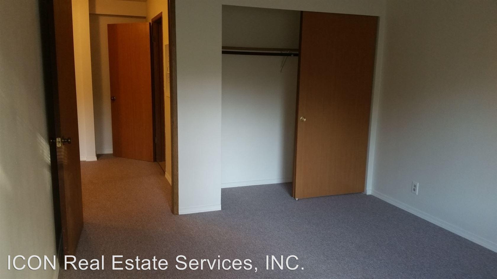 22816 Edmonds Way photo #1