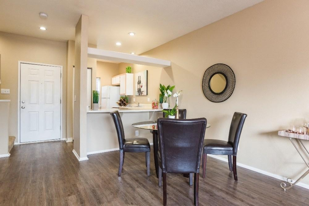 Goose Hollow Townhomes Apartments photo #1